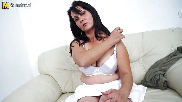 एड्रियाना फुल मूवी वीडियो में सेक्सी एडम्स