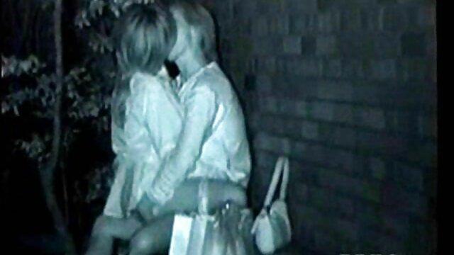 Eveline सेक्सी हिंदी मूवी वीडियो में