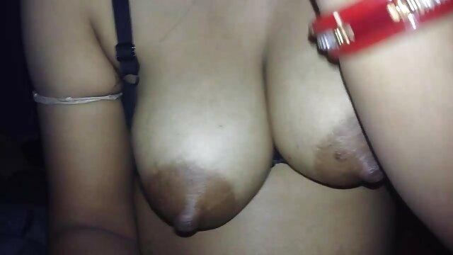 Titty कमबख्त